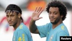 L'équipe olympique du Brésil: Neymar et son coéquipier Marcelo.