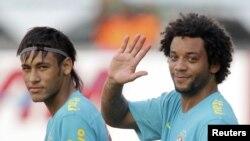 Les Brésiliens Neymar et Marcelo (Archives)