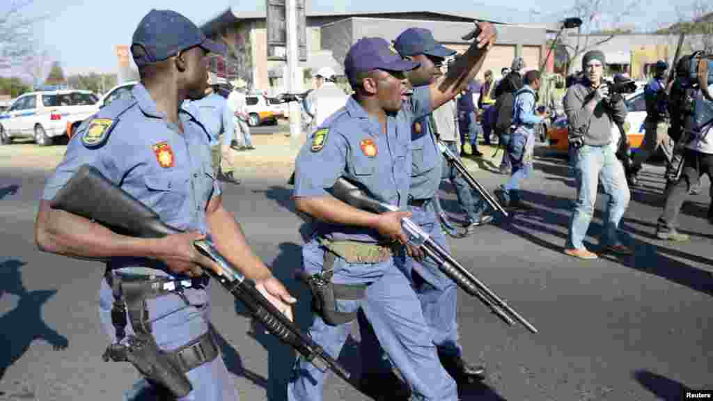Police attempt to disperse protesters outside the University of Johannesburg in Soweto, ahead of a visit by U.S. President Barack Obama, June 29, 2013.