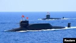 中国094A 型弹道导弹核动力潜艇2018年4月12日在南中国海演习。