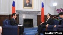 台湾总统马英九接受日本NHK专访 (台湾总统府提供)