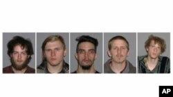 5 nghi can trong âm mưu nổ bom phá cầu. Từ trái: Connor Stevens, Brandon Baxter, Douglas Wright, Anthony Hayne và Joshua Stafford.