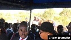Umkhokheli weMDC-T uNkosazana Thokozani Khupe lomkhokheli we MDC Alliance uMnu. Nelson Chamisa.
