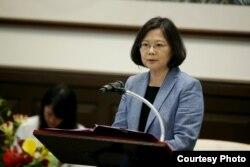 台湾总统蔡英文9月23日在接见欧洲议会议员团时就台湾未获邀ICAO邀请发表看法。(台湾总统府提供)