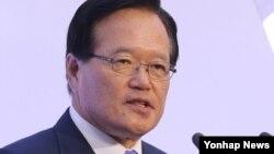 정의화 한국 국회의장이 17일 국회에서 열린 제67주년 제헌절 경축식에서 경축사하고 있다.