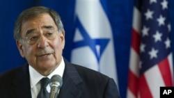 US Defense Secretary Leon Panetta speaks in Tel Aviv , Israel Oct. 3, 2011.