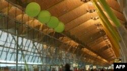 Sân bay quốc tế Madrid và 3 sân bay khác đóng cửa vì thiếu chuyên viên kiểm soát không lưu