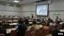 """针对日韩关系急转直下,在建交50周年前夕,东京周日举办了""""日韩未来对话""""研讨会。(美国之音歌篮拍摄)"""