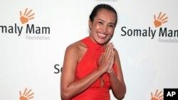 Trong một thời gian khá lâu, bà Samaly Mam là một nhân vật hàng đầu trong các nỗ lực quốc tế chống nạn buôn người. Quỹ Somaly Mam do bà thành lập ở Mỹ đã nhận được nhiều triệu đôla tài trợ và có được sự ủng hộ của nhiều nhân vật nổi tiếng ở Mỹ như nữ diễn viên Susan Sarandon và Tổng giám đốc Facebook Sheryl Sandberg.