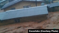 Des torrents de boue à Freetown, en Sierra Leone (Photo Cocorioko)