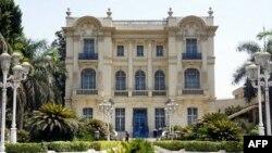 Các nhà chức trách vẫn đang tìm kiếm một bức tranh Van Gogh bị đánh cắp - lần thứ hai - từ viện bảo tàng Mahmoud Khalil, 22/8/2010