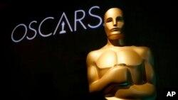 Patung Piala Oscar dalam salah satu acara bagian dari Penghargaan Academy Awards ke-91, di Beverly Hills, California, 4 Februari 2019. (Foto: AP)
