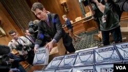 کارشناسان امور اقتصادی طرح تازۀ بودجه فدرال را ستودنی اما دور از واقعیت عنوان میکنند