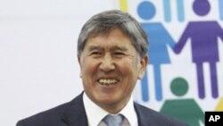 吉爾吉斯斯坦總統阿坦巴耶夫(資料圖片)