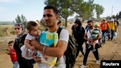 Сирийские беженцы на границе Греции и Македонии. 8 сентября 2015