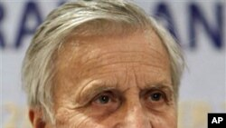 European Central Bank chief Jean-Claude Trichet speaks to the media during a press conference (file photo - 27 Oct. 2010)