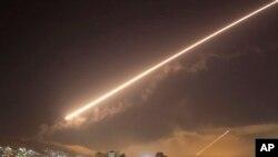 حمله موشکی به فرودگاه دمشق.
