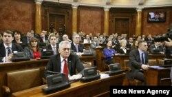 Poslanici Skupstine Srbije raspravljali su danas o Predlogu rezolucije o Kosovu, koja ce predstavljati osnov za razgovore sa vlastima Kosova