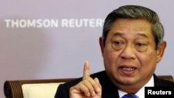 Presiden Susilo Bambang Yudhoyono berbicara dalam acara Thompson Reuters Newsmaker di Singapura, Selasa (23/4). (Reuters/Edgar Su)