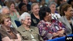 Banyak warga AS berpendapat mereka akan harus bekerja sampai usia tua karena tidak punya tabungan yang cukup (foto: ilustrasi).