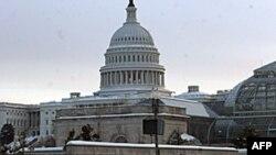 白雪覆盖的美国国会