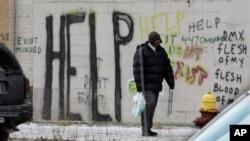 底特律闹市区涂鸦满墙。(资料照片)