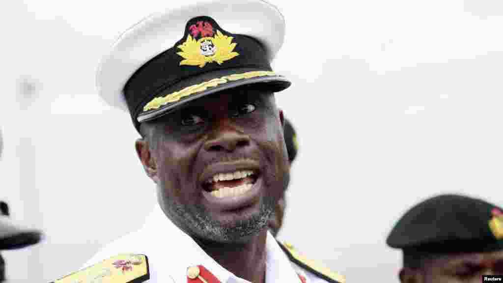 Kwamando Chris Ezekobe Kwamandan Mayakan Ruwa na Sojin Mayakan Ruwan Najeriya dake sansanin Beecroft.