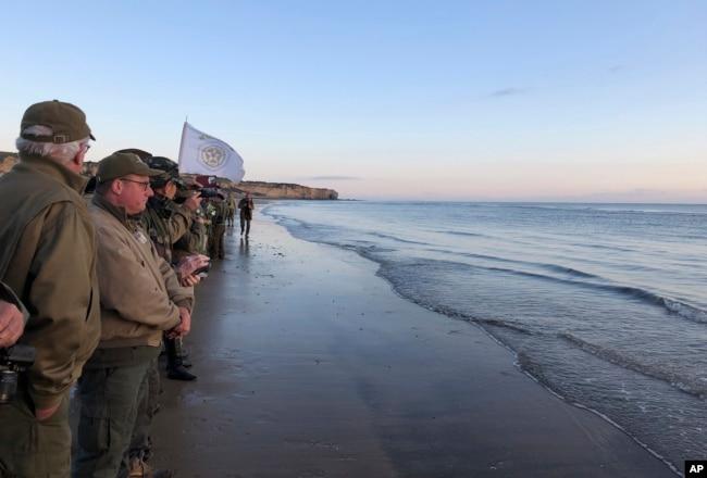 En la costa de Normandía, donde miles de hombres murieron 75 años atrás, un grupo cada vez menor de veteranos de la Segunda Guerra Mundial recordó el Día D, el jueves 6 de junio de 2019.