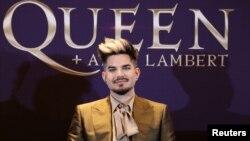"""Adam Lambert dalam konferensi pers jelang tur musik bersama Queen """"The Rhapsody"""" di Conrad Hotel, Seoul, Korea Selatan, 16 Januari 2020. (Foto: dok)."""