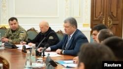 Ukrajinski predsjednik Petro Porošenko predsjedava sastankon Savjeta za nacionalnu bezbjednost i odbranu u Kijevu, Ukrajina, 26. novembra 2018.