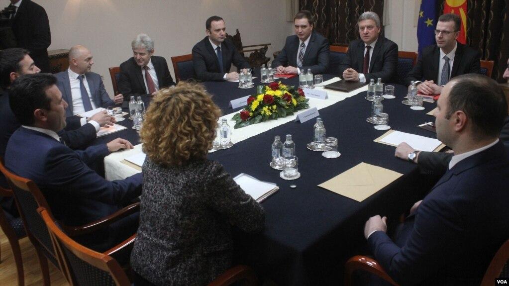 Maqedoni, debat dhe takime për çështjen e emrit