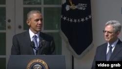 Madaxweyne Obama (Bidix) iyo Merrick Garland (Midig)