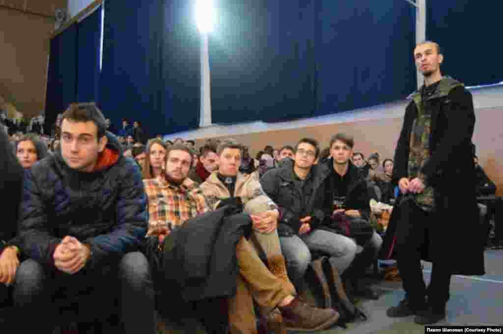 НаУКМА Адміністрація ВУЗу закликала студентів перейти до затяжного спротиву антиконституційним законам.