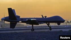 Un dron MQ-9 Reaper aterriza en el aeropuerto de Kandahar en Afganistán.