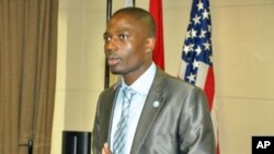 Luis Jimbo, do Instituto Angolano de Sistemas Eleitorais e Democracia