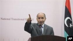 利比亞轉過過度委員會主席賈利爾週末在班加西的一個記者招待會上