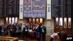 На фондовой бирже в Мадриде. Испания. 23 ноября 2010 года