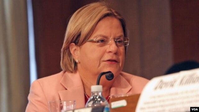 La congresista Ileana Ros-Lehtinen considera que decisión es una desgracia para las víctimas y sus familias en Argentina.