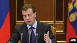 Дмитрий Медведев предостерегает против новой гонки вооружений