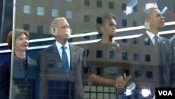 Predsjednik Obama, prva dama Mišel i njihovi prethodnici u Bijeloj kući - predsjednik Buš sa suprugom Lorom
