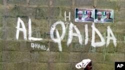 Al-Qaida di Maghreb Islam menyandera seorang warga Perancis dan seorang Belanda.