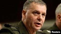 El General James E. Cartwright, ex vicejefe del Estado Mayor Conjunto de Estados Unidos está siendo investigado por la filtración de una operación secreta para inutilizar el programa nuclear iraní.