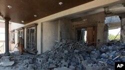 利比亞稱北約摧毀卡扎菲親信的住宅