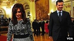 President Argentina Cristina Fernández de Kirchner menerima kunjungan Presiden Suriah Bashar al-Assad di Buenos Aires, Jumat.