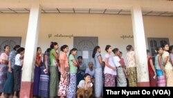 ภาพการเลือกตั้งครั้งประวัติศาสตร์ของพม่า