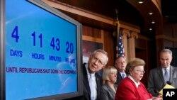 Viễn cảnh đóng cửa đến gần trong khi Quốc hội vẫn bất đồng