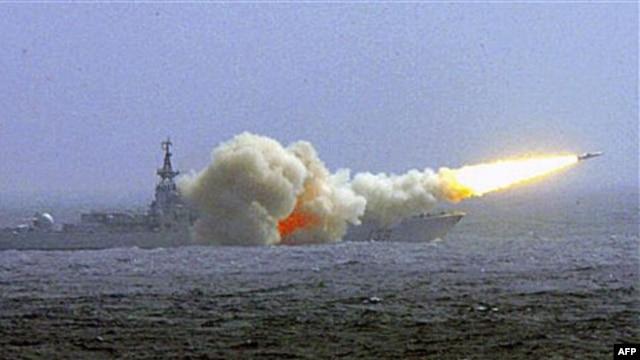 Cuộc thảo luận thường niên lần ba giữa các giới chức quân đội Việt – Mỹ diễn ra trong bối cảnh căng thẳng dâng cao tại biển Đông.