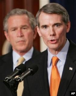 罗伯特.波特曼和布什总统在2005年