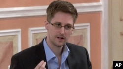 Edward Snowden dalam video yang dirilis oleh WikiLeaks, Jumat (11/10).