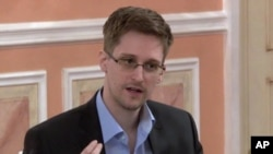Chính phủ Mỹ muốn truy tố Snowden tội làm gián điệp, đánh cắp và các tội khác.